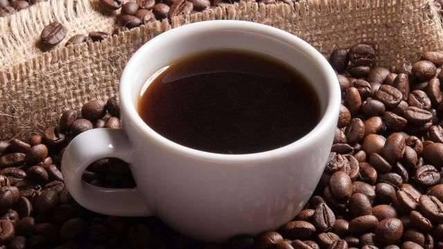 طريقة عمل القهوة السوداء