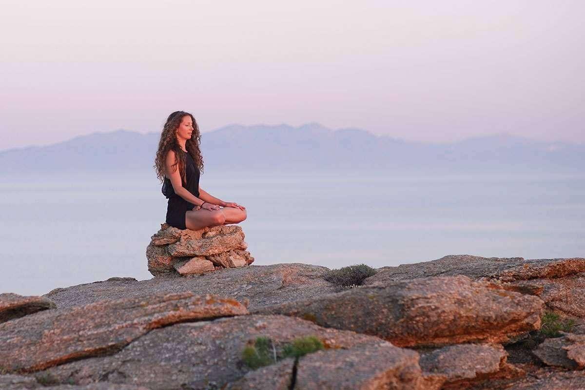 فوائد الصمت للجسم