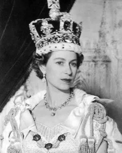 مرحلة صعود الملكة إليزابيث إلى العرش