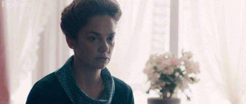 قصة مسلسل mrs wilson البريطانى
