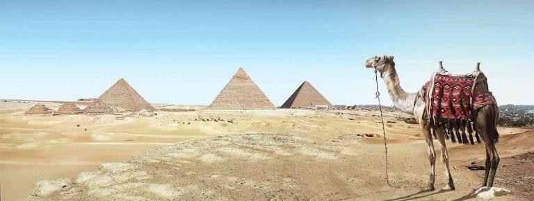 لماذا بنيت الأهرامات