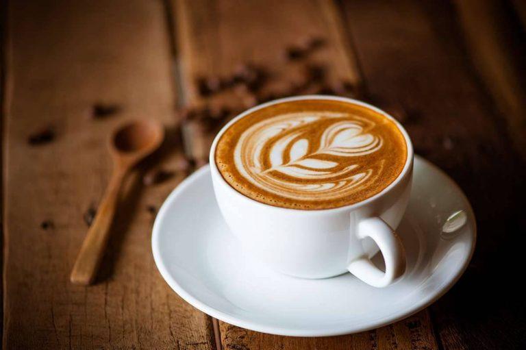 طريقة عمل القهوة الأمريكية بالحليب