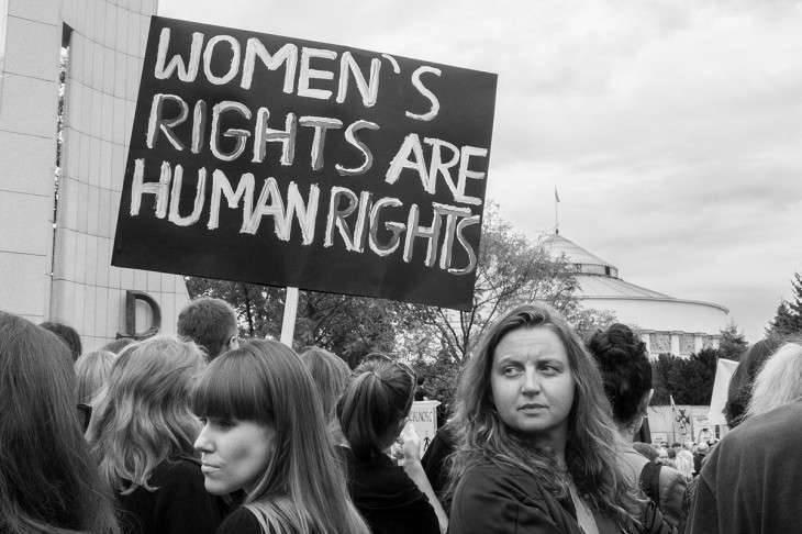 مقال عن النساء