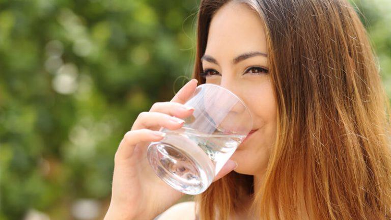 Photo of فوائد الماء الحار على الريق… 10 فوائد لشُربِ الماء الدّافئ على الرّيق