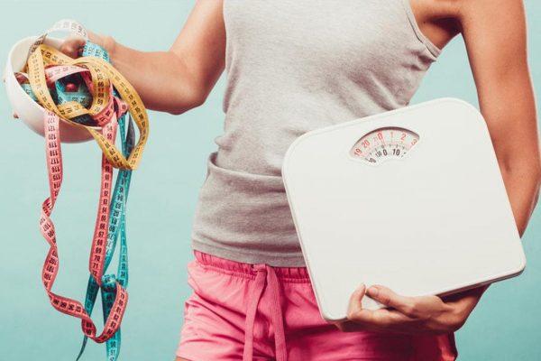 فوائد ماء الليمون البارد في فقدان الوزن