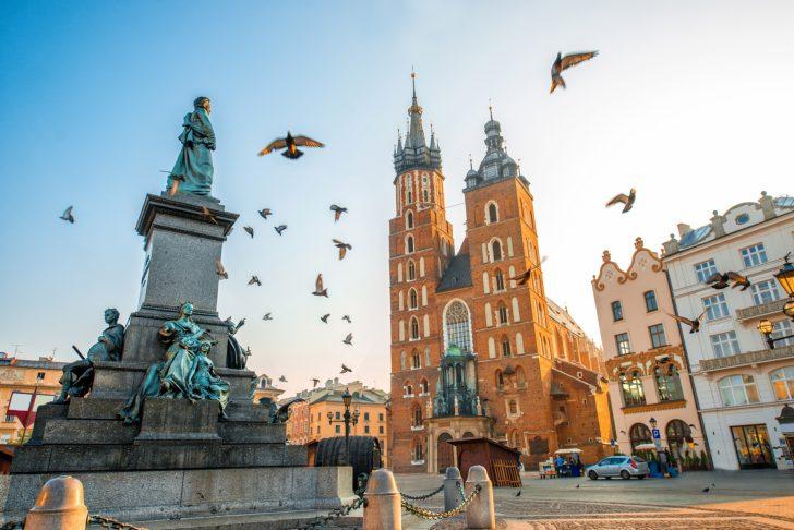 مخاطر السفر الى بولندا
