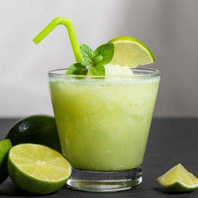 هل ماء الليمون صحّيٌّ فعلًا؟