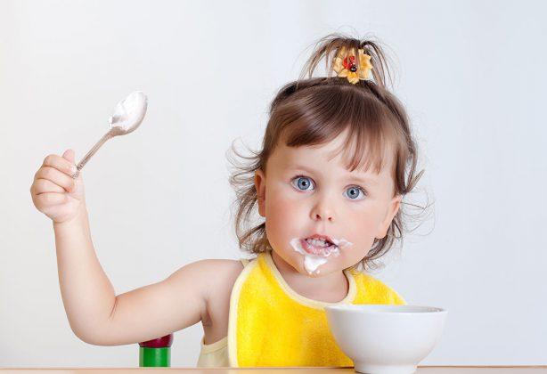 فوائد الزبادي للاطفال