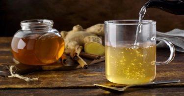 فوائد الماء الحار والعسل
