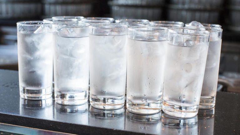 Photo of فوائد الماء البارد على الريق…5 فوائد مميّزة لشُرب الماء البارد صباحًا