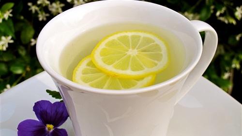 Photo of فوائد الماء الحار والليمون على الريق… 6 فوائد لمشروب اللّيمون الدّافئ