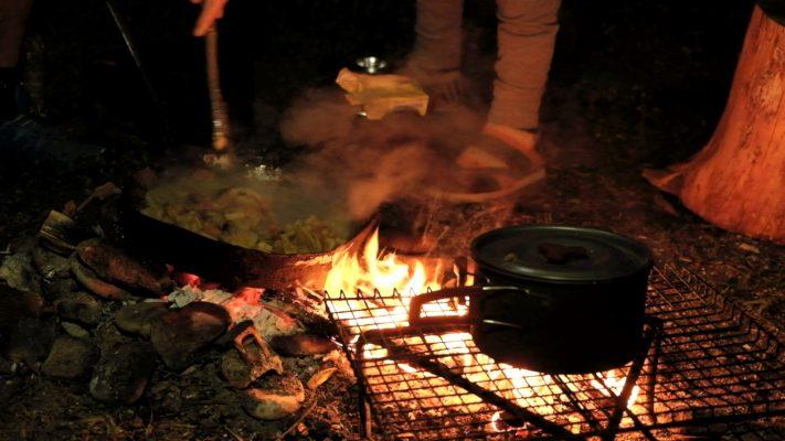 فوائد الطبخ على الحطب