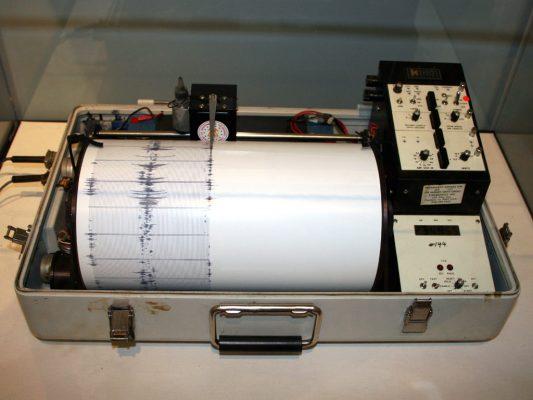 الأدوات المستخدمة في علم الزلازل