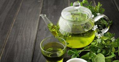 الشاي الأخضر العاديّ