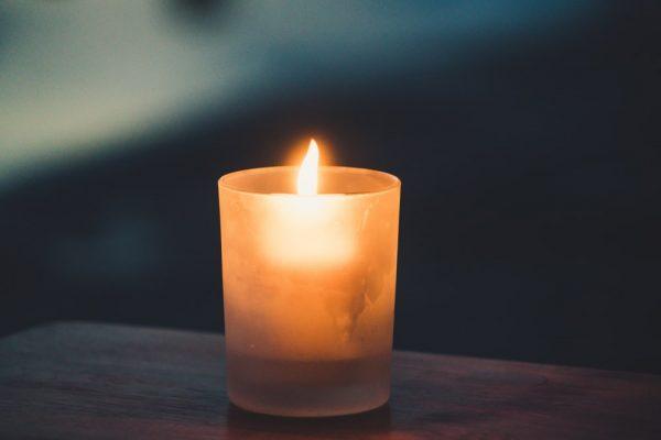 خواطر عن الشموع من الرّوائيّ محمد مراد إيلدان