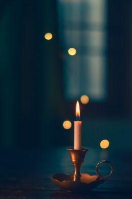 خواطر عن الشموع من المؤلّفات