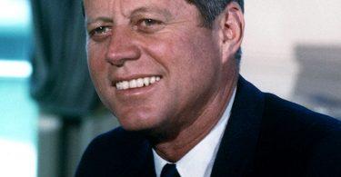 سيرة ذاتية للرئيس الأمريكي جون كينيدي 1961-1963م
