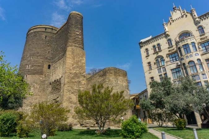 صورة توفير المال في أذربيجان