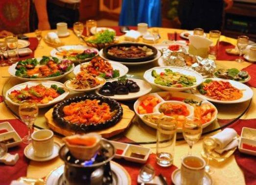 تفسير رؤية مائدة الطعام في الحلم