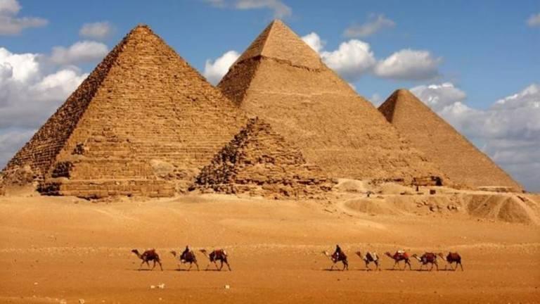 Photo of بحث عن رحلة إلى الإهرامات
