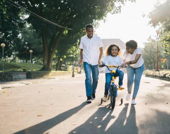 Photo of تعبير عن الأسرة أساس المجتمع بالعناصر
