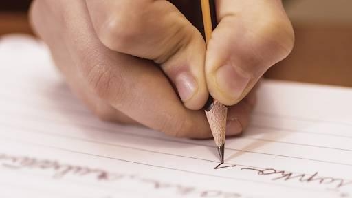 تعلم كيفية كتابة موضوع تعبير بطريقة صحيحة