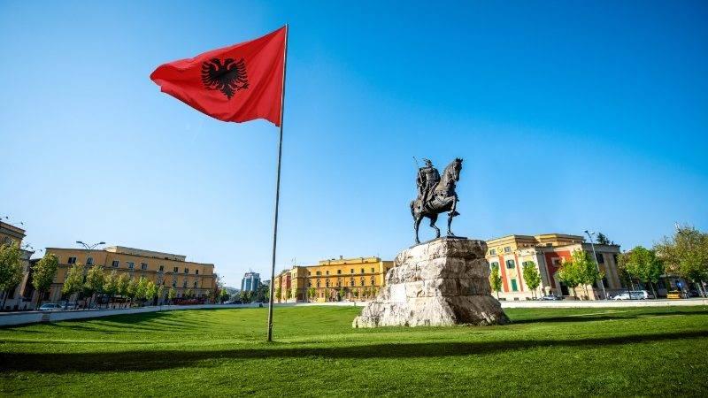 المسافر المنفرد إلى ألبانيا