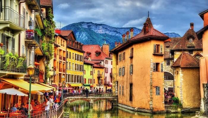 Photo of شهر العسل في فرنسا
