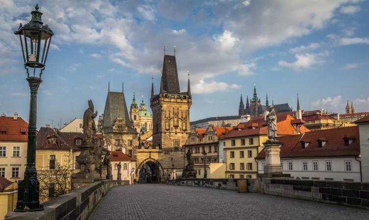 Photo of شهر العسل في التشيك