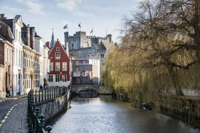 السفر إلى بلجيكا منفردا
