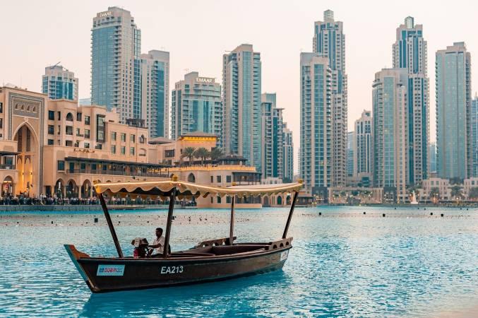 المسافر المنفرد في دبي