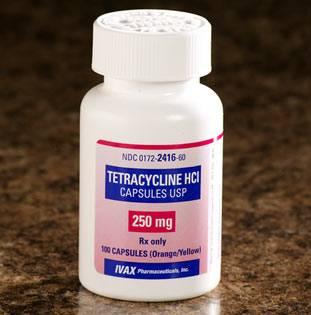 كبسولات تيتراسيكلين Tetracycilne لعلاج حب الشباب والزهرى