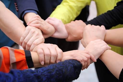 موضوع تعبير عن التعاون بالعناصر 2020