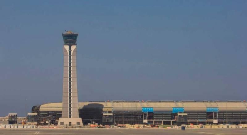 معلومات عن مطار مسقط الدولى