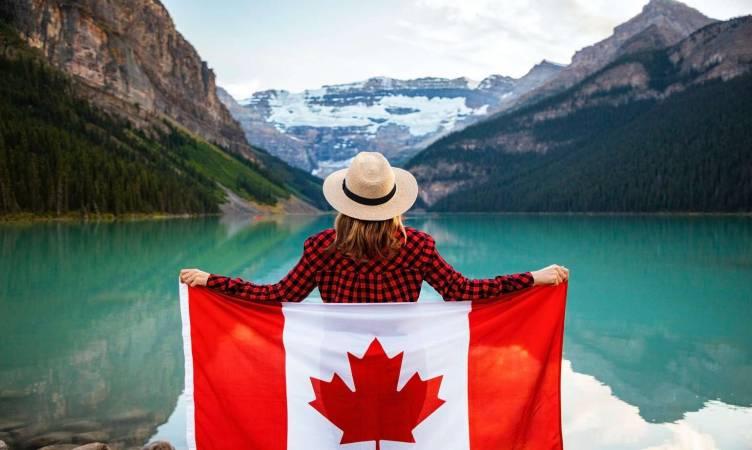 صورة مميزات الهجرة إلى كندا 2020