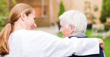 العمل في دار المسنين