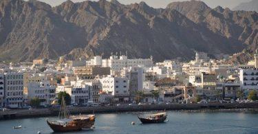 العمل في سلطنة عمان للاجانب