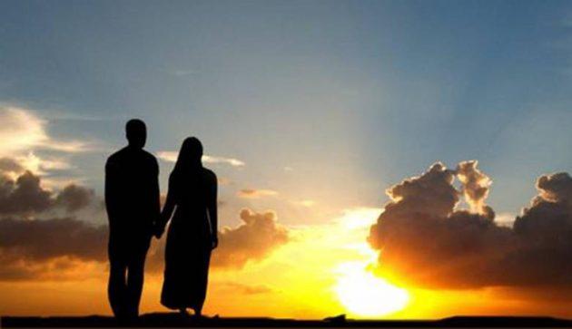 أحاديث عن معاملة الزوجة