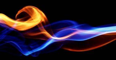فسر كيف يسبب تغير الطاقة الحرارية للمادة تغيرا في حالتها وأعط مثالين على ذلك
