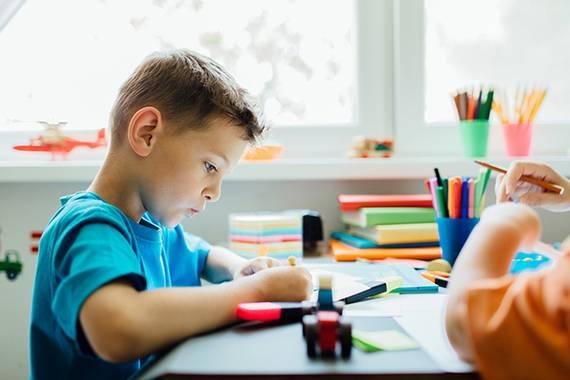 طرق تنمیة الذكاء والتركیز عند الأطفال