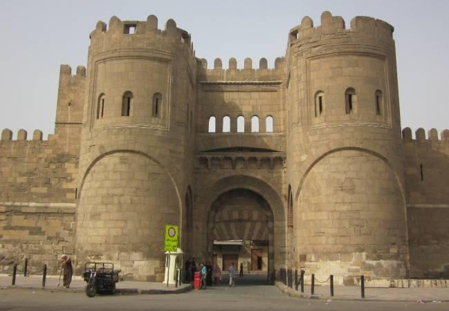 معلومات عن بوابات القاهرة التاريخية