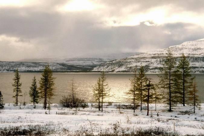كم عدد البحيرات في روسيا