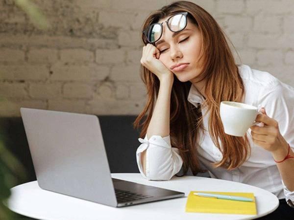 أسباب الخمول وكثرة النوم والتخلص منها