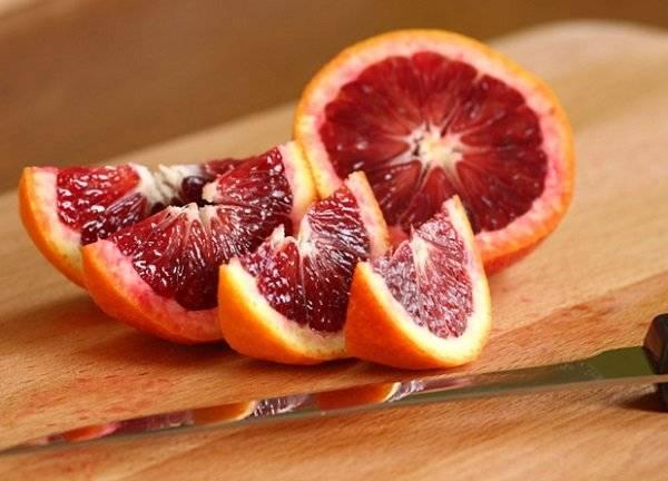 صورة فوائد البرتقال الأحمر هل يخلصك من الكوليسترول